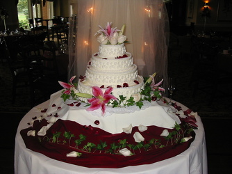 Cake 6 from Carter's Flower Shop in Farmville, VA